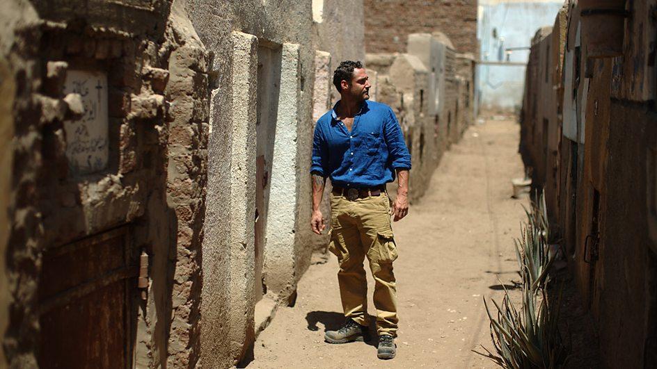 Jeff Rose surveys the Akhmim cemetary